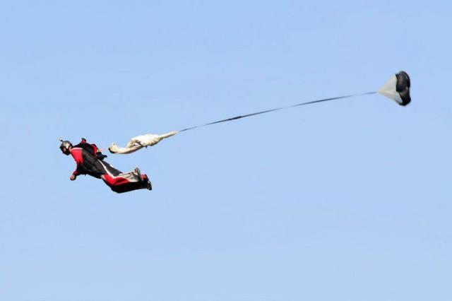 apertura wingsuit